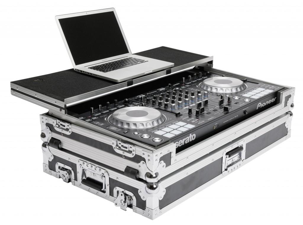 DJ Controller Workstation DDJ-SZ Open Angle